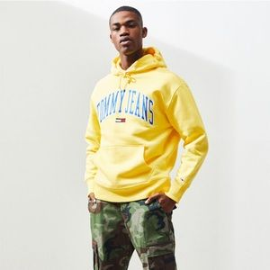TOMMY JEANS Classics Logo Pullover Hoodie Small